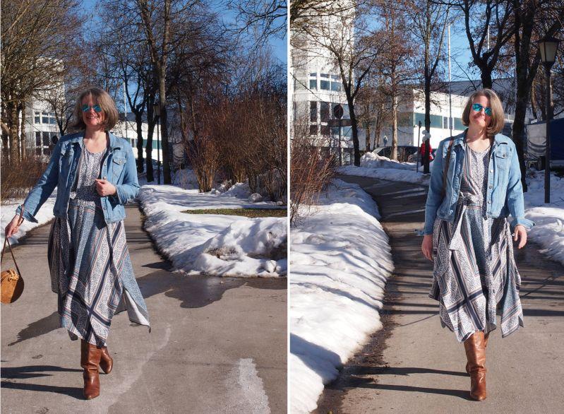 Schaldruckkleid mit Stiefeln und Jeansjacke kombiniert