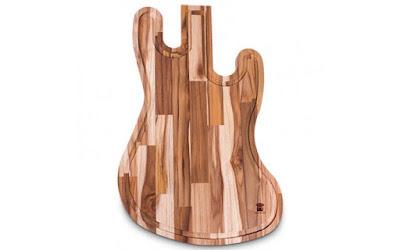 Tábua de carne em formato de guitarra
