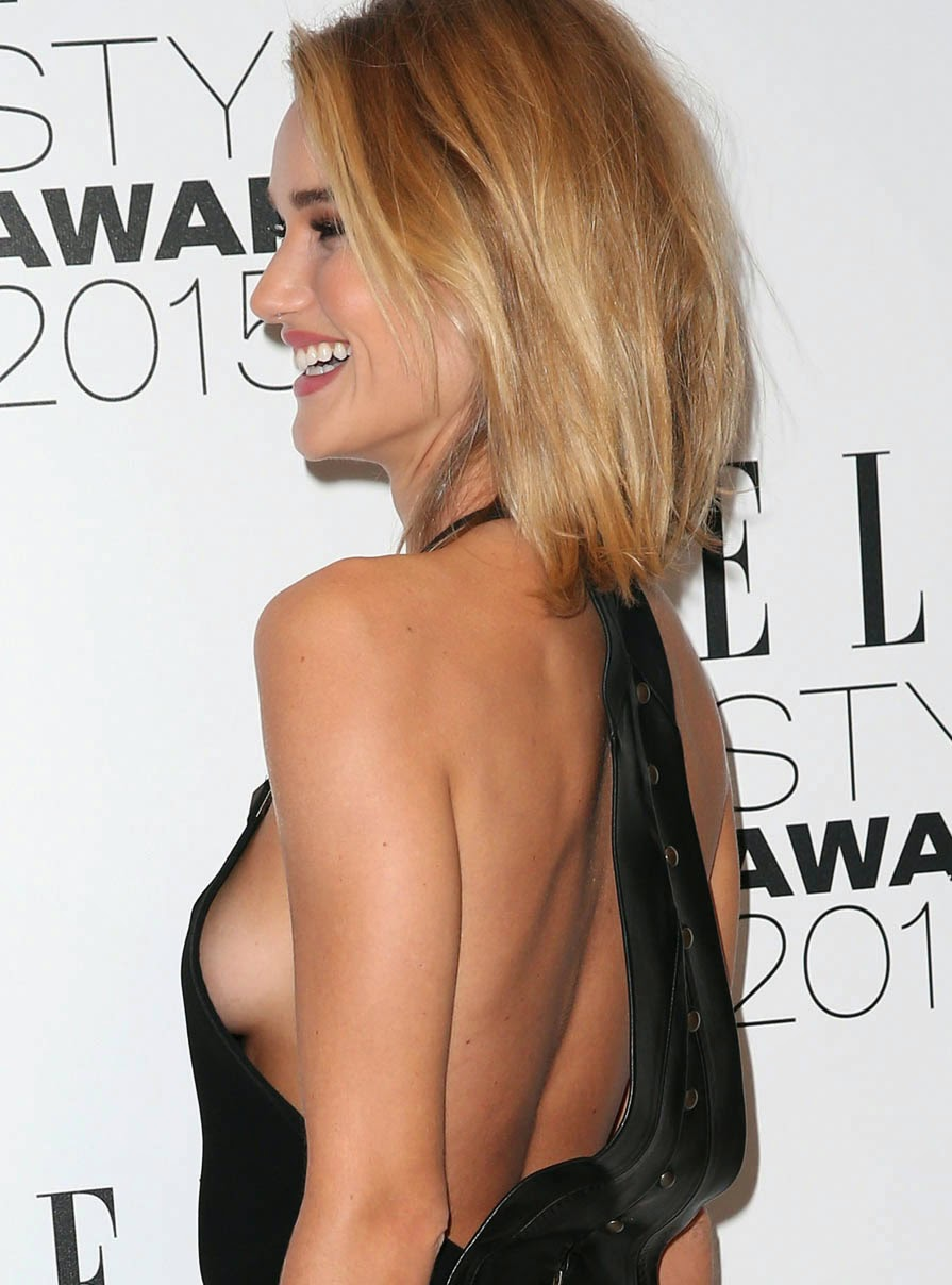 Rosie Huntington-Whiteley Knows How To Dress