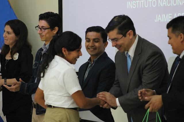Becas en Premiación del Certamen de Literatura en Cuento y Poesía de Nueva Acrópolis Santa Ana, El Salvador