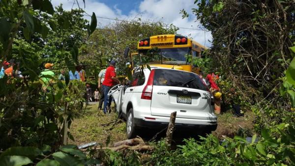 Accidente de tránsito deja dos muertos y 24 heridos en Cabarete