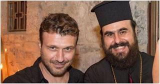 Πατήρ Κωνσταντίνος: «Ο Γιάννης Πλούταρχος πιστεύει στο Θεό και βοηθάει με πολλές φιλανθρωπίες»