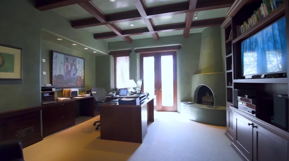 Tour 2 Indian Pony, Santa Fe Luxury Home vs. 29 Interior Design Photos
