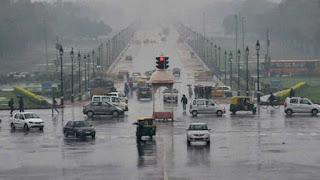 cloudy-morning-in-delhi-light-rain-expected