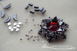 Stachelstern | Perlenanhänger | www.zeitunschaerfe.de