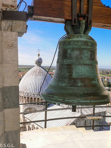 Campana de la torre de Pisa
