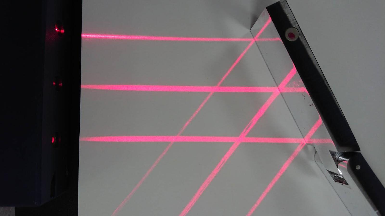 北市重慶創客基地: 主題一:光的反射與折射(實驗一:反射與折射定律出任務)