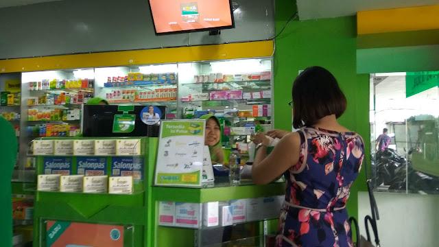 Belanja obat di Apotek K-24 saat ini bisa dengan lebh mudah dan cepat dengan layanan Ajungan Pelayanan Mandiri (APM), yanng dilunc urkan pada 24 Oktober 2018 (dok.windhu)