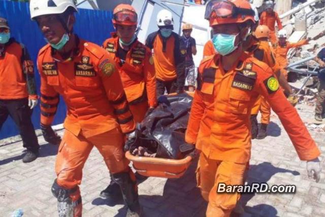 Van 1,203 muertos tras terremoto y tsunami en Indonesia