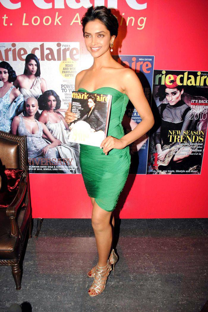 Deepika Padukone Hot Photos In Long Green Gown