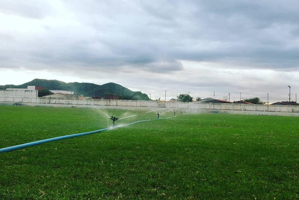 065fb98312 Gramado do Estádio Municipal José Henrique Dantas é um dos melhores da  região