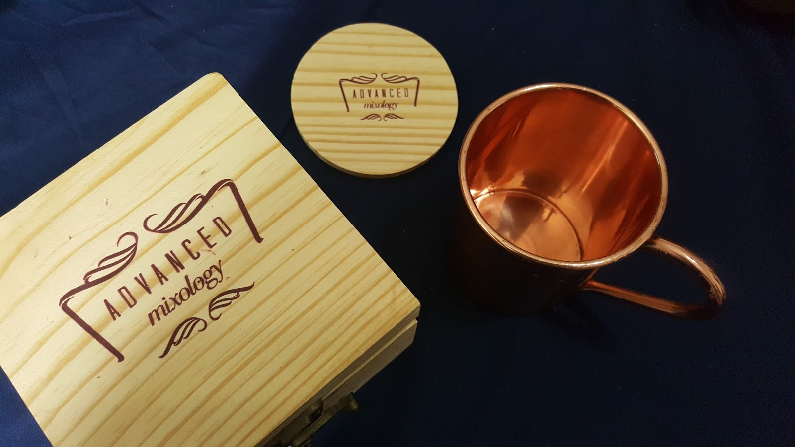 31c539b45480 Review. I never thought Moscow Mule Copper cup set could come in a classy  set but Advanced Mixology have given new look to Cocktail gift set.