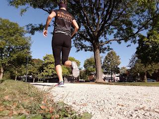 Coureuse, parc de Montréal, automne, arbre, sentier