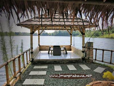 Rumah Makan Saung Apung Bogor