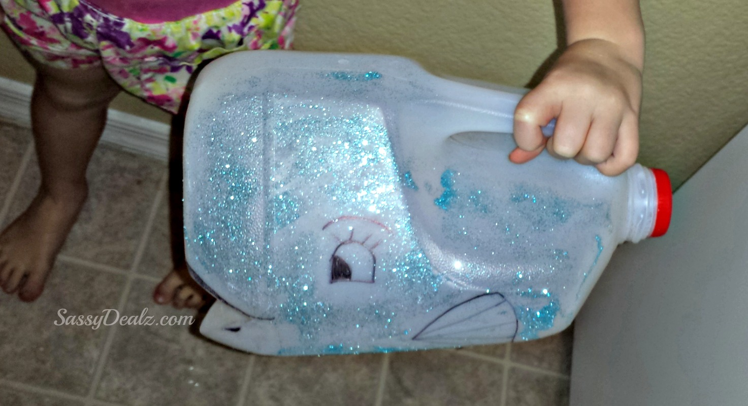Diy Whale Milk Jug Kid S Craft Great For Water Play Crafty Morning