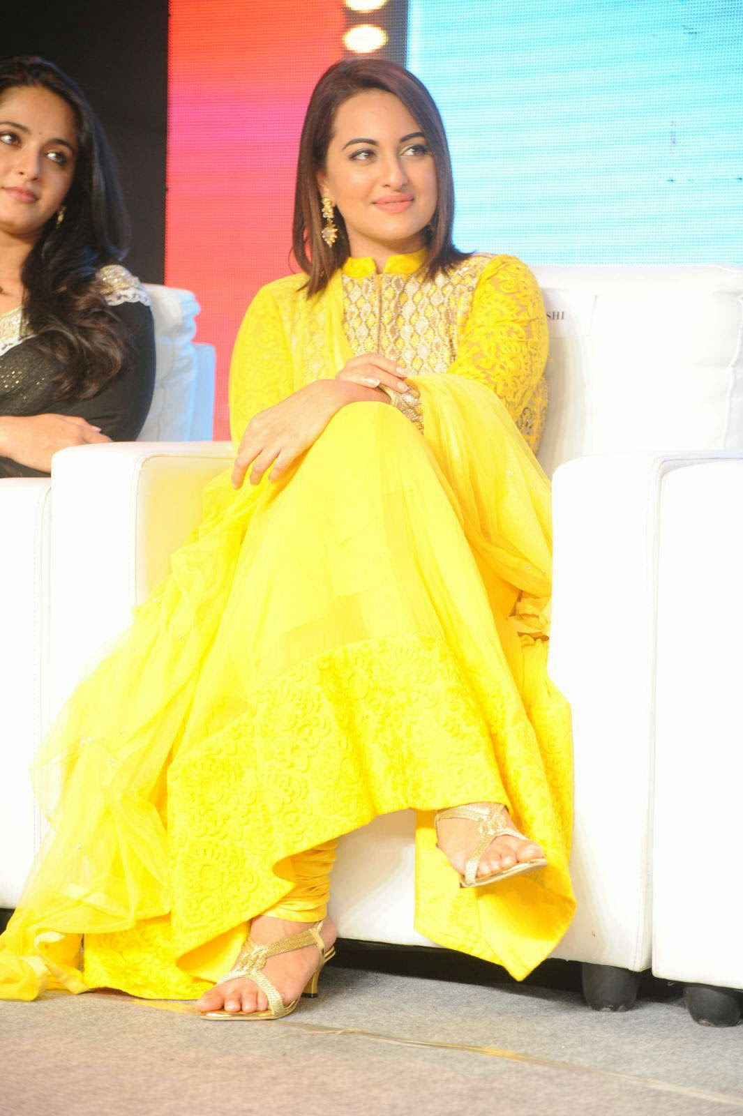 Sonakshi Sinha Feet Photo Gallery, Sonakshi Sinha Yellow Suit Pics from Lingaa Movie Event