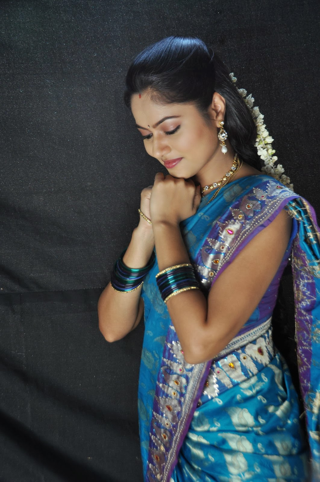 Suhasini latest photos saree at rough movie location