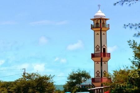Masjid di area pantai Depok