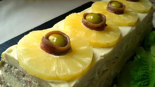 http://www.annarecetasfaciles.com/2015/05/pastel-de-pina-salado.html