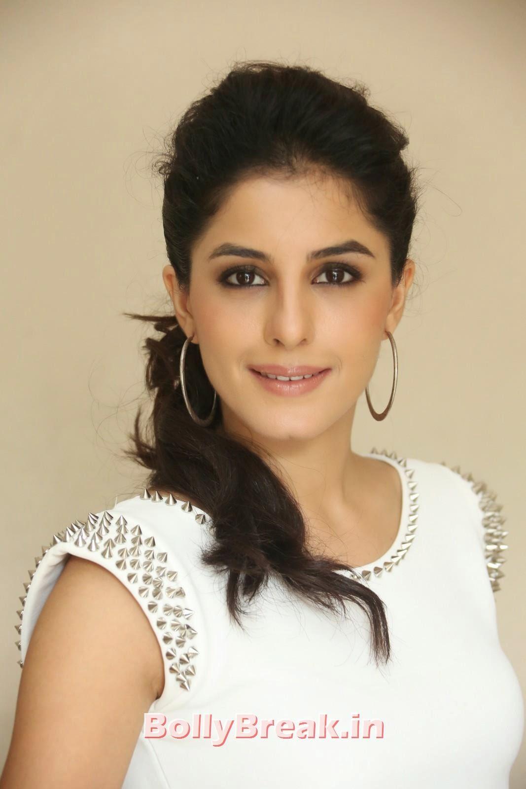 Isha Talwar (14), Isha Talwar Pics in Tank Top - Navel Pics - Bollybreak Glam Actress of the Day