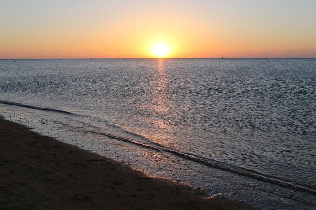 Puesta de sol desde la playa de la Jara