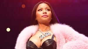Banheira no vestiário, 100 guarda-costas, ursinhos de borracha, pirulitos são exigências de Nicki Minaj para shows da turnê mundial.