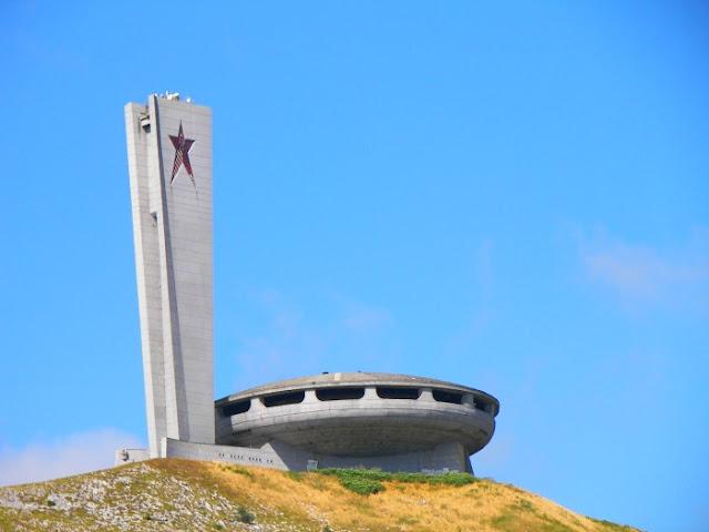 El ovni comunista de Buzludzha