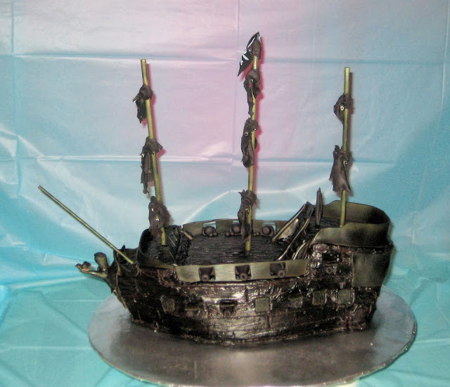 Pirate Ship Cake of The Black Pearl from Pirates of the Caribbean - Side View 1