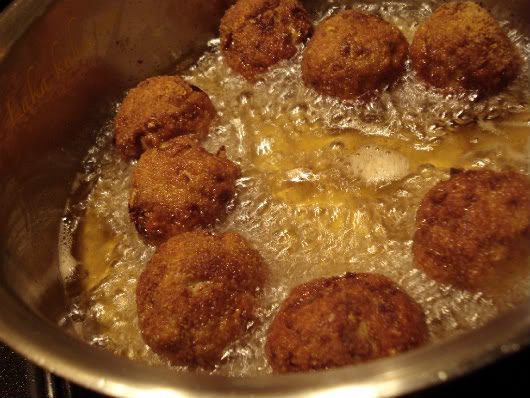 fry turkey meatballs in lots of oil