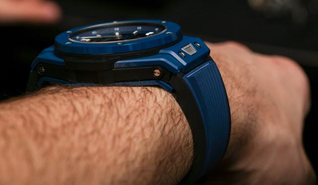 Nouveau pour 2018: Réplique Montre Hublot Big Bang Meca-10 Ceramic Blue Chronographe Automatique examen
