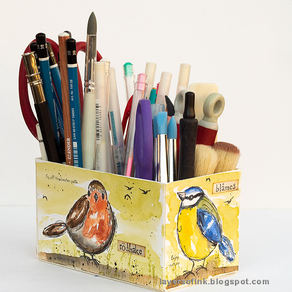 Layers of ink - DIY Watercolor Birds Pen Holder by Anna-Karin Evaldsson. With Eileen Hull Sizzix dies.