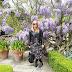 Fashion: a walk among the flowers
