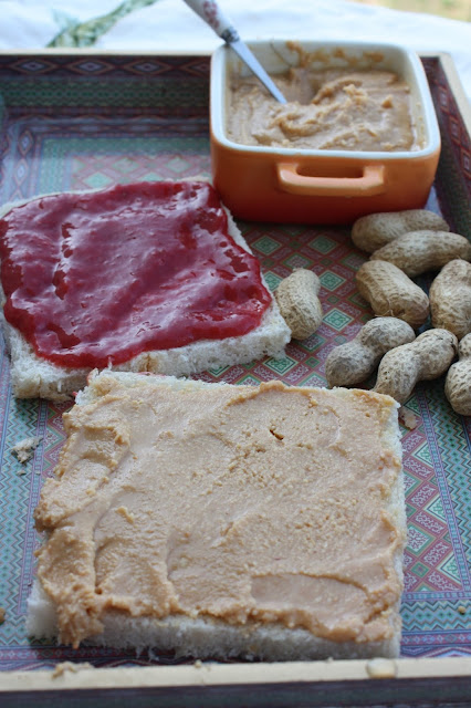 crema de cacahuete casera y el famoso sandwich de Walter White {peanut butter and jelly sandwich}