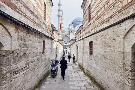 """Süleymaniye'de bir """"Cuma"""" Yaşamak"""