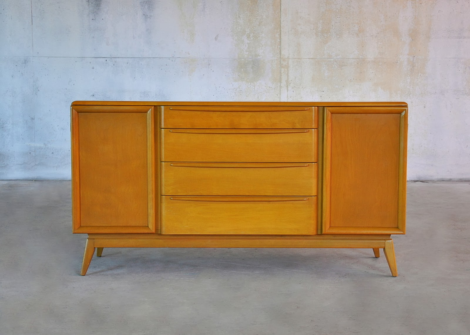 select modern heywood wakefield credenza china cabinet. Black Bedroom Furniture Sets. Home Design Ideas