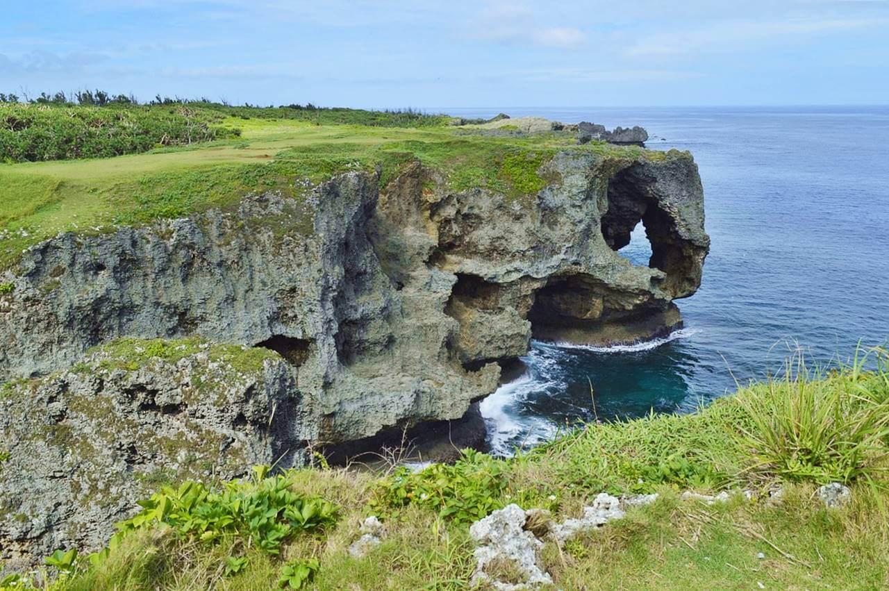 沖繩-沖繩景點-推薦-萬座毛-沖繩自由行景點-沖繩中部景點-沖繩旅遊-沖繩觀光景點-Okinawa-attraction-Manzamou-Toruist-destination