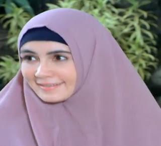 Gessy Selvia sebagai pemeran ibu Zahra