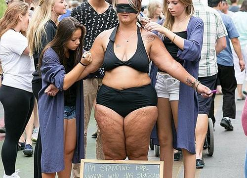 This Woman Took Off All Her Clothes In a Crowded Market—You Won't Believe What Happened Next