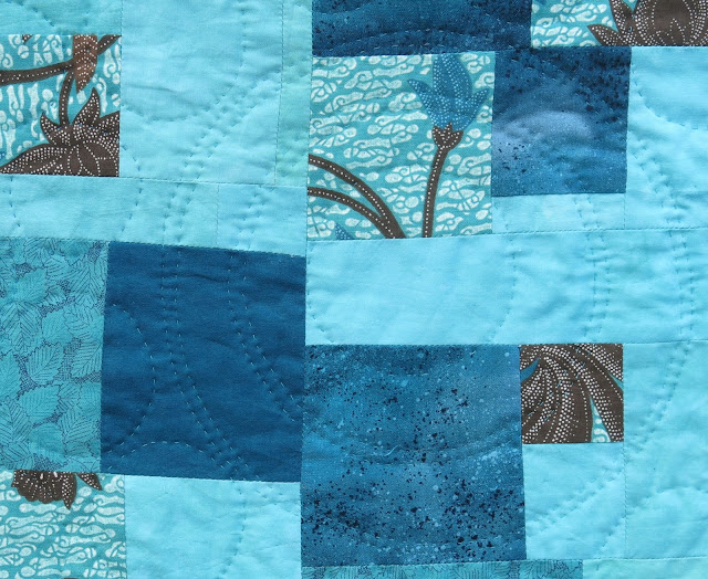 Quilt by Sophie Thomas - Sherri Lynn Wood book - Score #1 - Floating squares