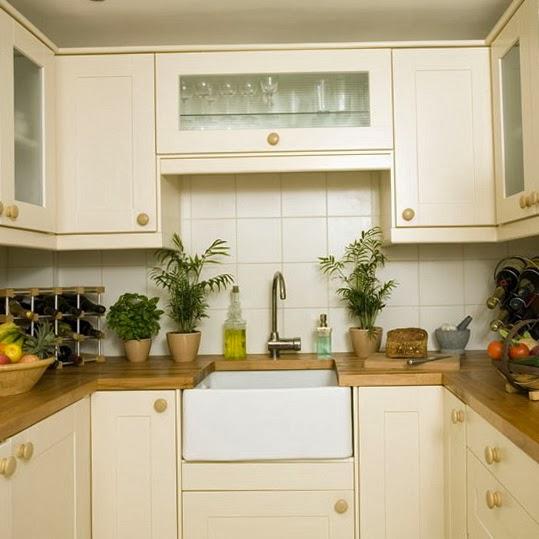 15 fotos de cocinas peque as colores en casa for Reposteros para cocina pequena