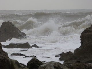 Waves crashing against the rocks on Portland