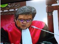 """Pujian Warganet Terhadap Majelis Hakim yang Berwajah """"Ahli Sujud"""""""