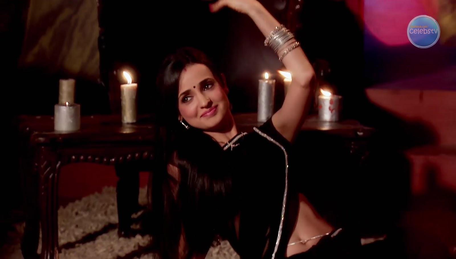 Sanaya Irani Aka Khushi Showing Her Sexy Navel In Dance -7418