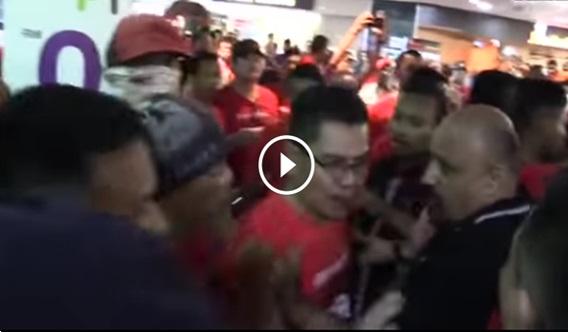 VIDEO: Sah ! Akhirnya Darah Jamal Ketua Baju Merah 'TUMPAH' Di Ampang