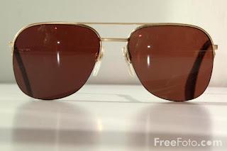 Image: Glasses / Spectacles (c) FreeFoto.com