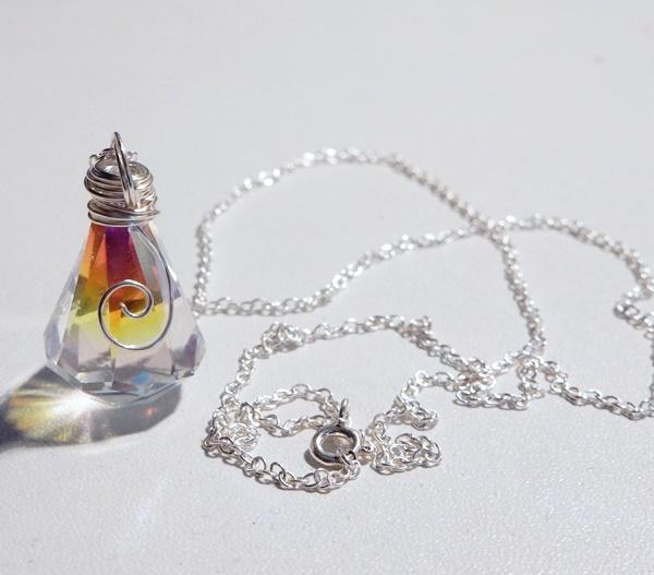 DIY : Collier avec pendentif en cristal