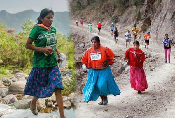 Atletas rarámuris que ignora el gobierno conquistan el Ultramaratón de los Cañones 2017.