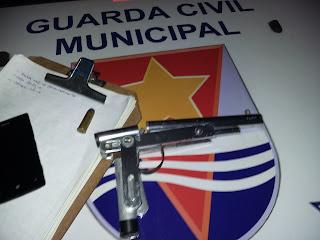 Indivíduo usa arma caseira com munição Cal. 44 em roubo e é detido pela Guarda Municipal de Vitória (ES).