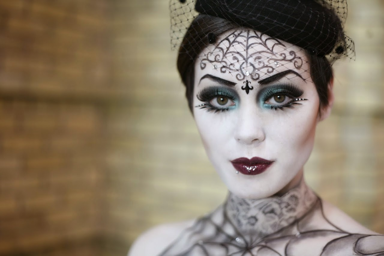 kindly sheree lifestyle beauty tips how tos for the everygirl halloween makeup ideas. Black Bedroom Furniture Sets. Home Design Ideas