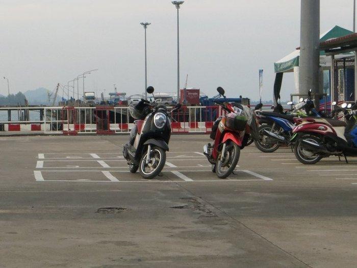 Стоянка для скутеров
